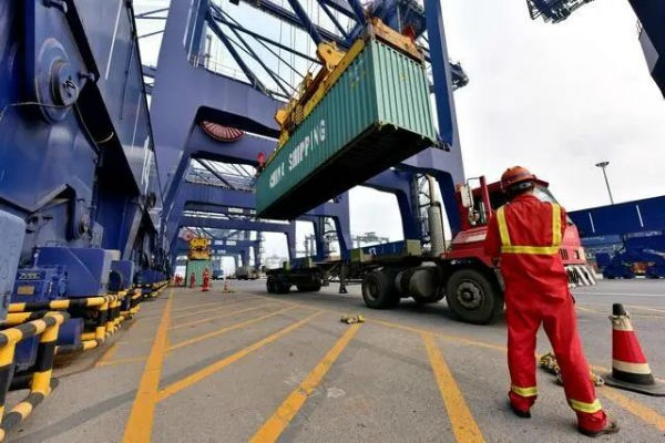 Foreign Trade Continues to Improve: Foreign Trade Container Throughput of Many Ports Has Increased S